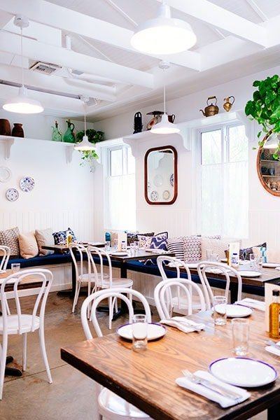 arredamento nautico ristorante interni chiari