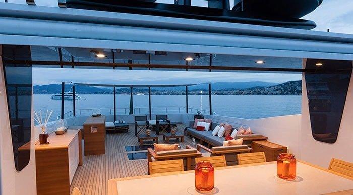 quanto costa uno yacht esterno