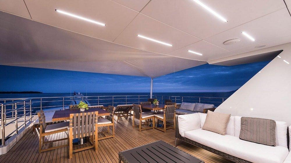 led design barca lusso e yacht