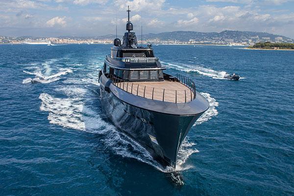 Intro Atlante Cnr yacht
